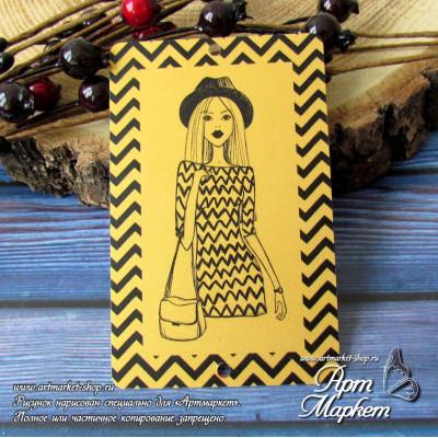 Карточка Девушка Шеврон, Фон: золото, покрытие: шагрень  РАЗМЕР: 8,6 х 5,5 см