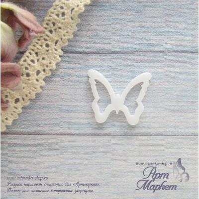 Бабочка из белого оргстекла Размер 2 х 2,4 см
