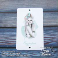 Карточка Девушка мята, фон - белый, фактурное покрытие  РАЗМЕР: 8,6 х 5,5 см