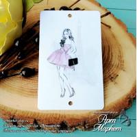 Карточка Девушка Париж, Фон: белый, покрытие: шагрень РАЗМЕР: 8,6 х 5,5 см
