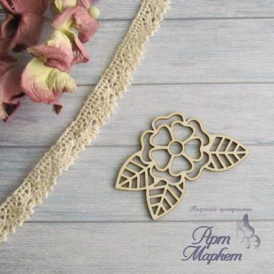 Цветок с листиками РАЗМЕР: 4,5х4,3 см